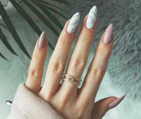 Effetto marmo nail art