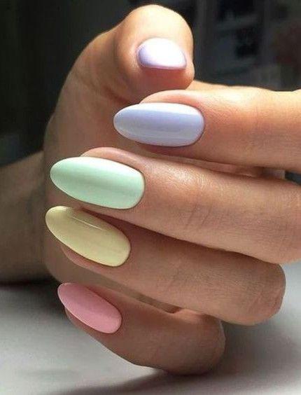 Nail art color monocromatico