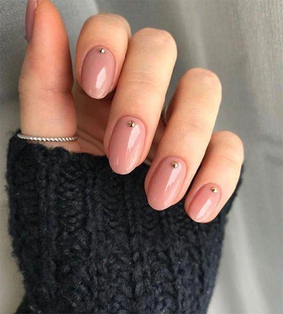 Nail art nase nude con diamantino