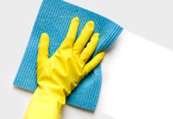 Utilizzare i guanti durante i lavori di casa