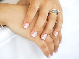Come gestire le unghie corte